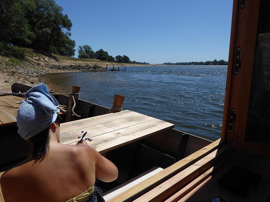 location peniche-penichette-croisiere fluviale-croisieurope-loire princesse-toue cabanee-ecluses-location bateau-insolite