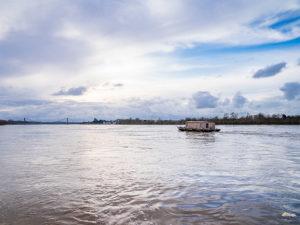 penichette-croisiere fluviale-croisieurope-loire princesse-toue cabanee-ecluses-location bateau-insolite